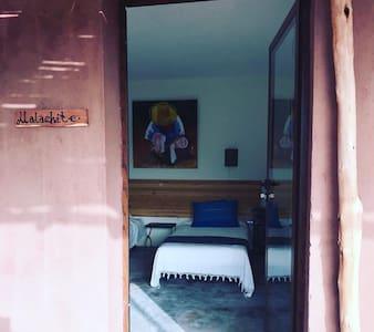 Entrée  des chambres 90 cm de largeur