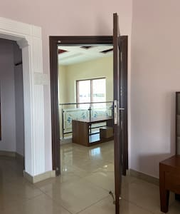 Wide and spacious entrance to the room ‍‍