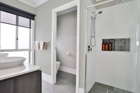 Normal width doors throughout bedrooms