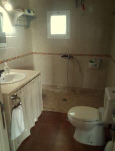 बिना सीढ़ियों वाला बाथरूम