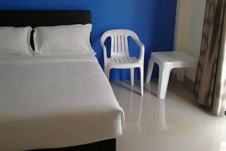 Dodatkowa przestrzeń wokół łóżka