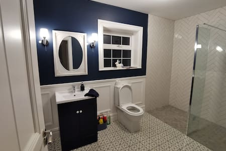 Big spacious family Rest Room