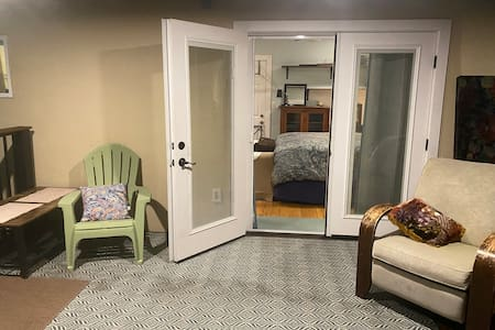 French doors to the room, (both sides do open) no steps prior. Threshold ramp available if needed