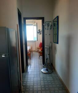 Accesso diretto pianeggiante dall'ingresso alla camera da letto e al bagno