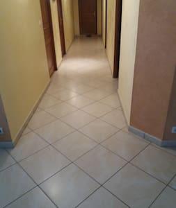 Largeur du couloir...136cm