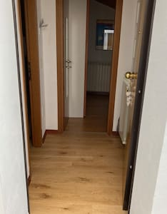 Entrata della casa e per la camera senza gradini