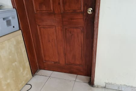 no steps or stairs at the entry of the bedroom