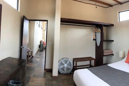 Foto panorámica  de la habitación