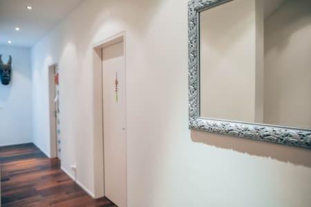 entrance garden room - second bedroom