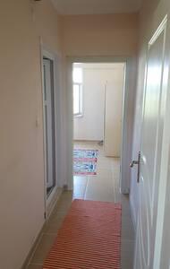 ara koridor ve yatak odası