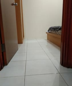 No stairs or step to enter bedroom