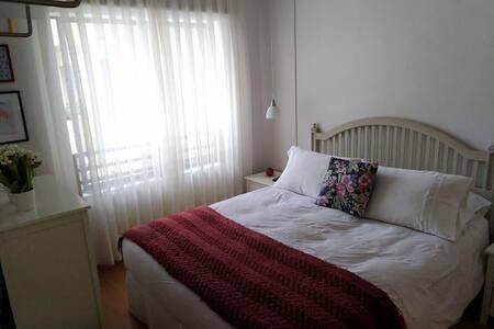 Ekstra plads omkring sengen