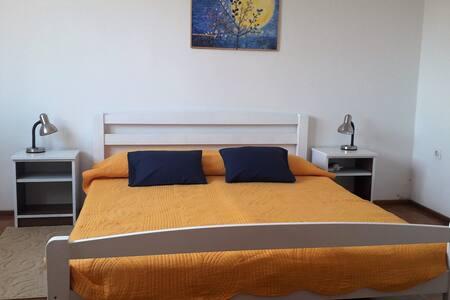 Дополнительное пространство вокруг кровати