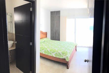 Puertas amplias para baños y dormitorio de 90cm