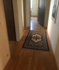 In der Wohnung sind alle Räume stufenlos erreichbar!