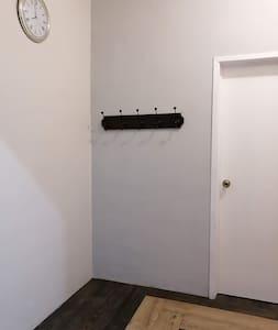 Todas las habitaciones son privadas con puertas seguras