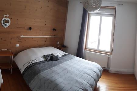 espace modulable autour du lit si nécessaire