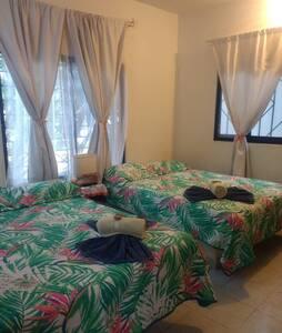 espacio entre cama y cama