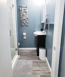 Extra hely a zuhanyzó körül