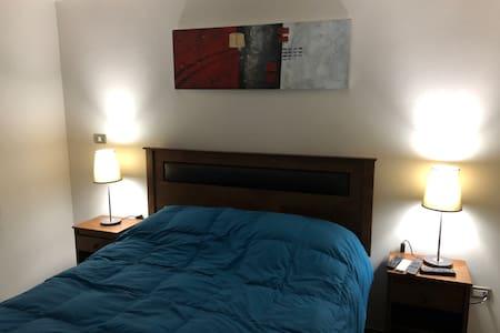 Subida y bajada normal hacia la cama de 2 plazas.