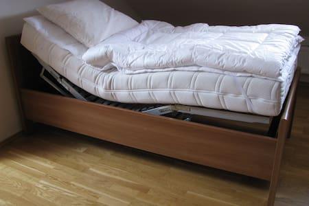 Elektrická profilovaná posteľ