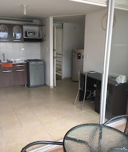 Todos los espacios y accesos son amplios dentro y fuera del apartamento!
