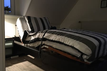 Krevat me mekanizëm elektrik