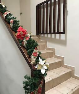 Escalera de acceso a recámaras