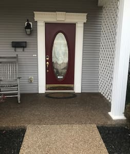 There are no steps from the parking spot in front of the house to the front door.