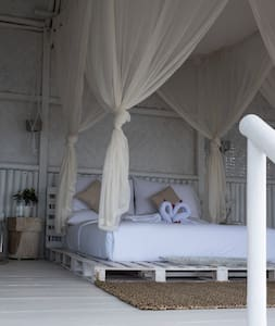 Bedroom mattress tropical glamping