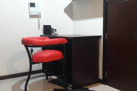 La puerta de acceso al apartamento mide 95 cm.