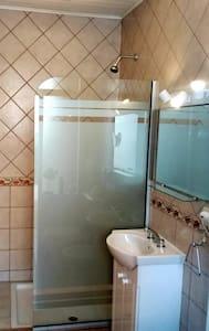 Extra prostor kolem sprchy