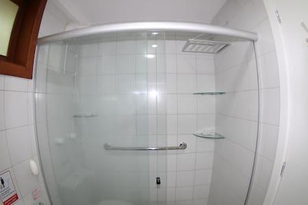 Agafadors fixes per a la dutxa