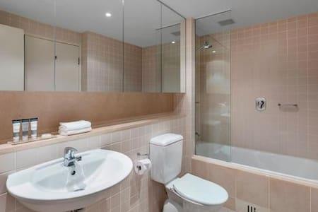 Допълнително пространство около тоалетната