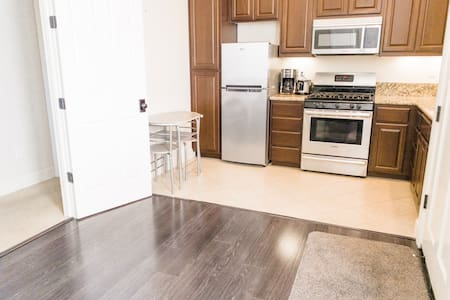 Clear path to kitchen