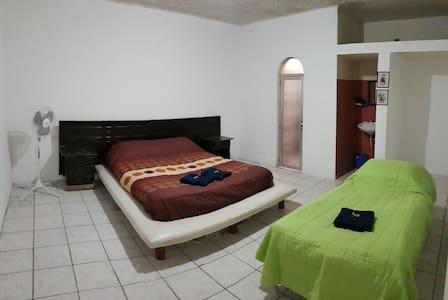 Habitación / Room - Gregorio