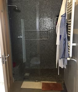 Prysznic bezprogowy