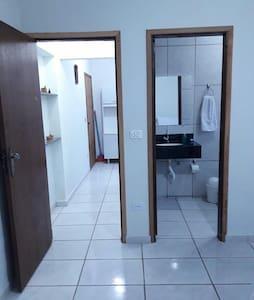 portas de acesso ao interior da casa
