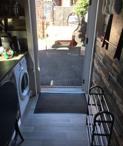 Level access non slip flooring throughout