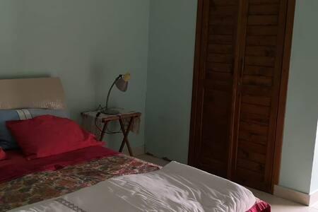 Επιπλέον χώρος γύρω από το κρεβάτι