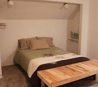 Extra hely az ágy körül