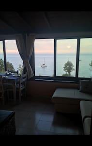 Sala pranzo/cena sul mare