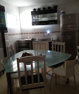 cozinha totalmente completa para todo utilizarem com bom senso,ou seja,sujou limpou..