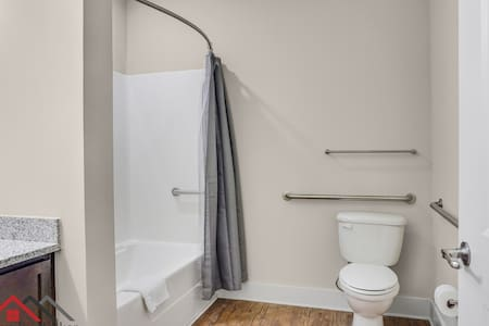Фиксирани опорни парапети за тоалетната