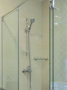 shower with Hot &cold water!!