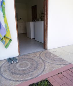 entry into laundry area