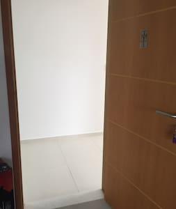 Porta de entrada com 82 cm