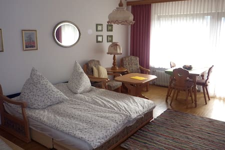 Extra utrymme runt sängen