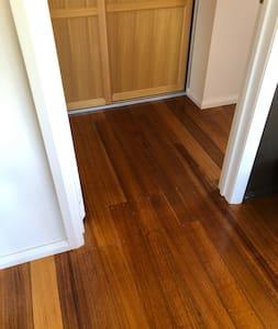 Door way 77cm