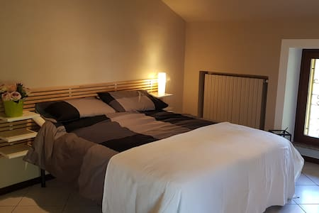 Дополнителен простор околу креветот